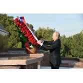 Vladimir Putin laid flowers at the Monument of Independence and Humanism