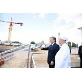 President Shavkat Mirziyoyev on June 15 – on the day of Ramadan Hayit celebration – visited the construction site of the Center for Islamic Civilization