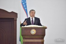 President held a dialogue with residents of districts at the session of Jizzakh regional Kengash of people's deputies