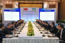 The President of Uzbekistan meets with Turkish business leaders