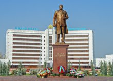 A MONUMENT TO SHARAF RASHIDOV IS OPENED IN JIZZAKH