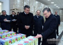"PRESIDENT SHAVKAT MIRZIYOYEV GOT ACQUAINTED WITH ACTIVITY OF AN ENTERPRISE ON PROCESSING FRUIT AND VEGETABLE PRODUCTS ""DARMON SHARBATI"" IN YAKKABAG DISTRICT"