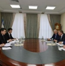 IT MINISTRY AND IBM DISCUSS COOPERATION